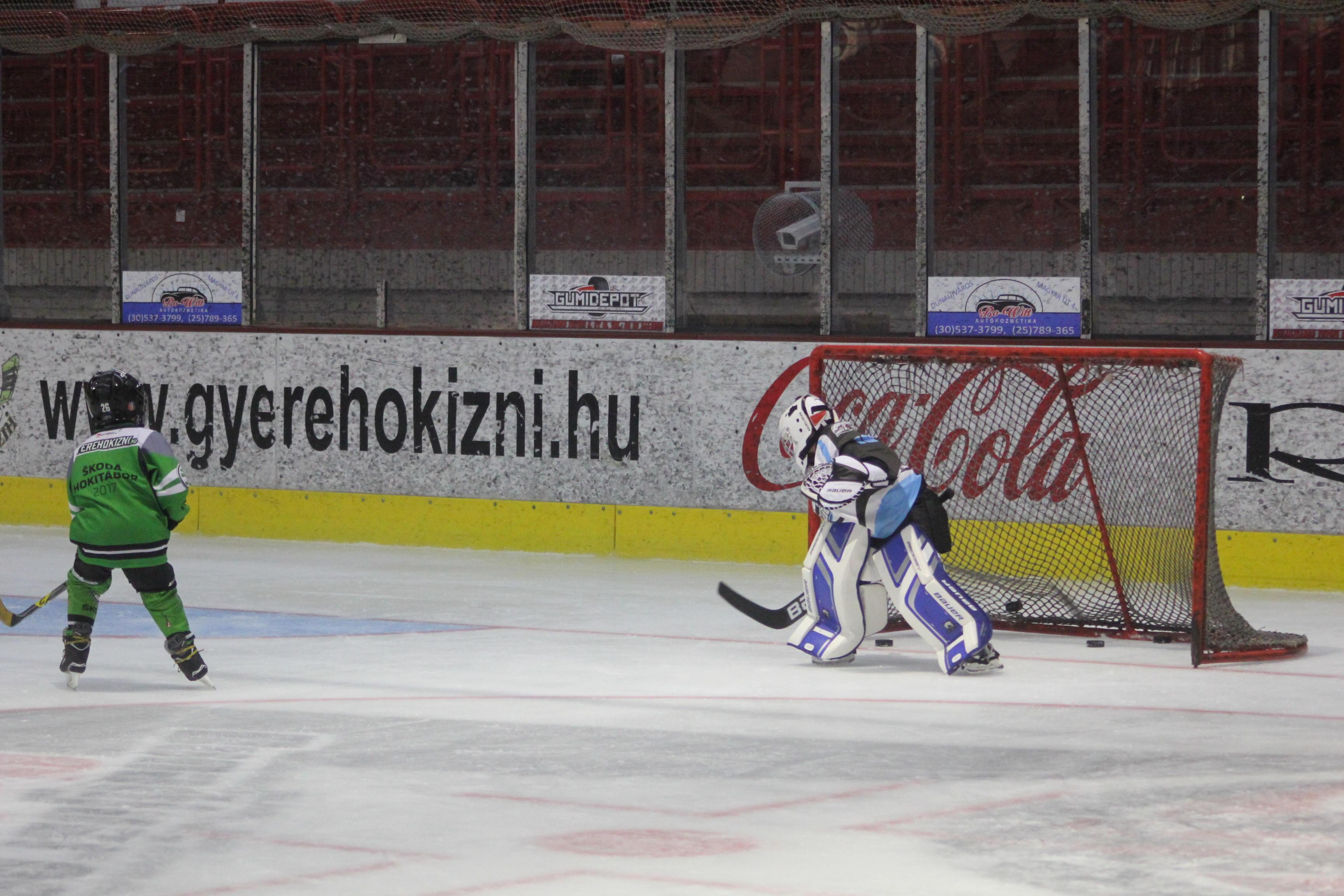 Dunaújváros egy napos jeges edzés U8, U10, U12